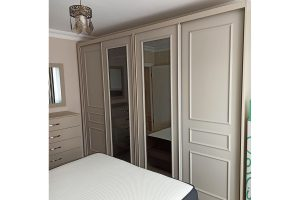 Country sliding wardrobe with mirror